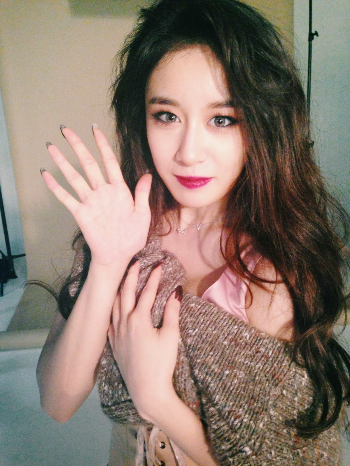 Check out JiYeon's stunning BTS pictures from her ...