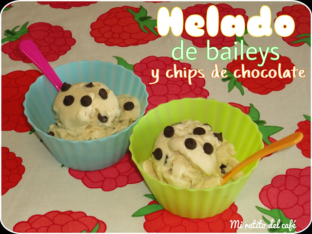 Helado de baileys y chips de chocolate