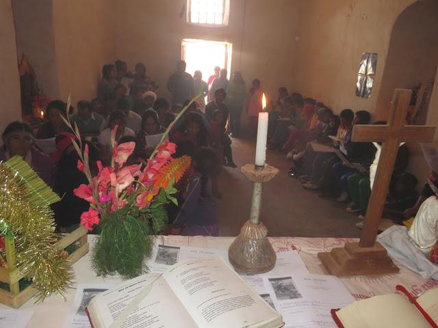 Am Weihnachtstag war dann Messe und Bescherung im Nachbardorf Mojnete