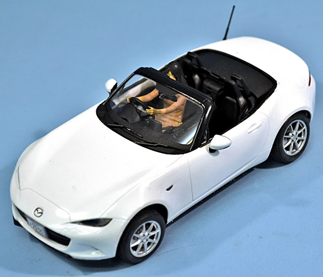 scale model news 1 24 scale tamiya mazda mx 5 becomes a. Black Bedroom Furniture Sets. Home Design Ideas