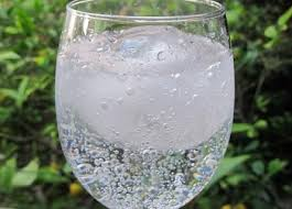 Manfaat Air Soda Selain Untuk Bahan Makanan atau Minuman