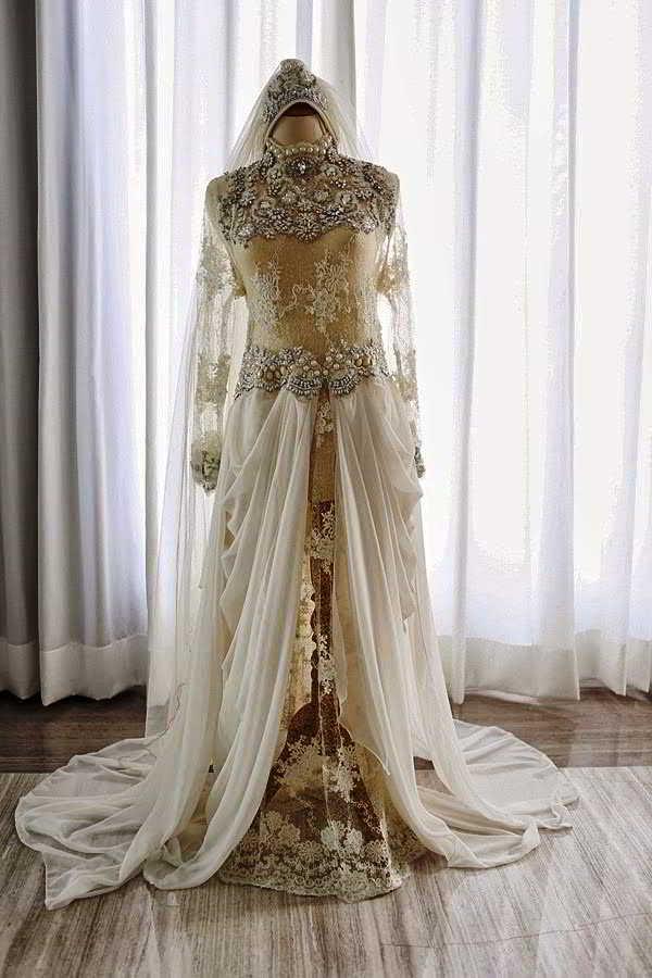 23 Model Kebaya Pengantin Muslim Warna Gold Dan Putih Sederhana
