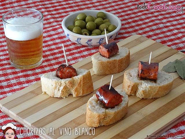 Chorizos al vino