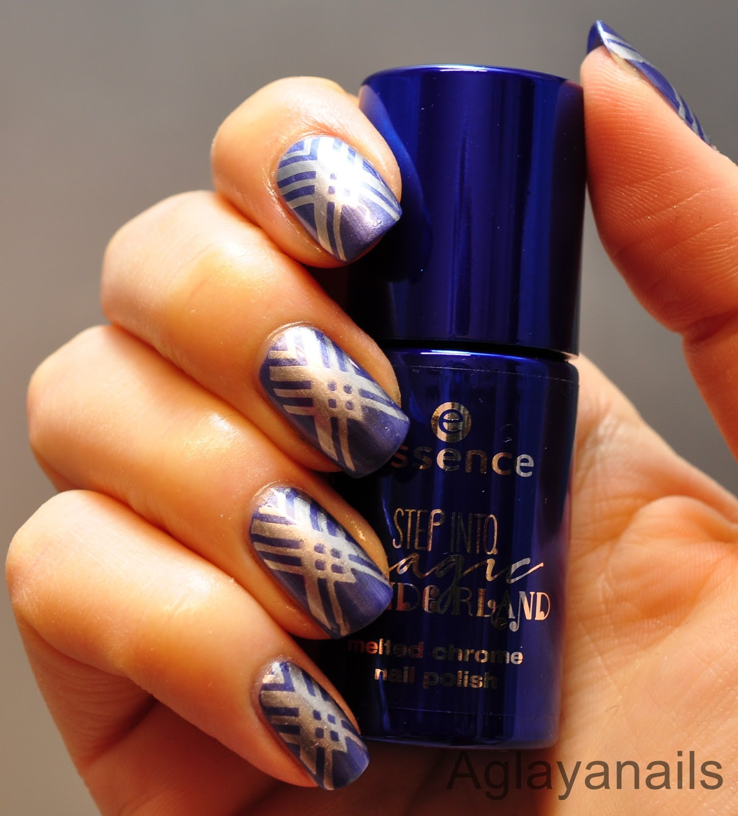 Aglayanails: 26 Great Nail Art Ideas: Metallic + one color