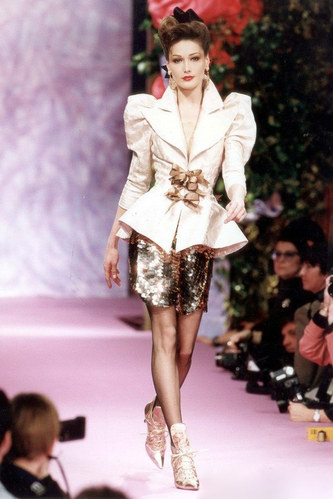 Sexy City French First Lady S Catwalk Show In The Early Years Beautiful And Matchless