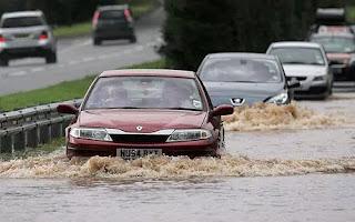 ما هو عمق نزول السيارة في المياه ,عمق الخوض في المياه بالسيارة,سير السياره فى المياة,سيارة فى الماء