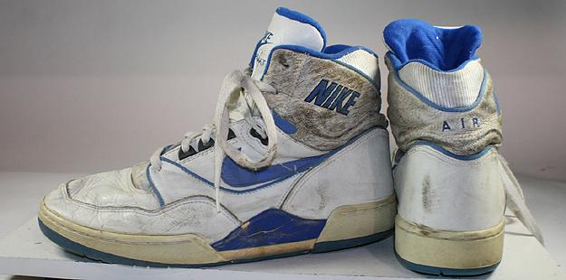 Monje veneno Fértil  VINTAGE AMERICANA TOGGERY: Vintage NIKE High Top Shoes