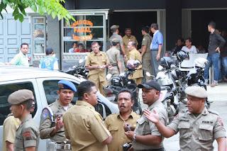 Razia Disiplin PNS, 25 Terjaring di Warung Kopi