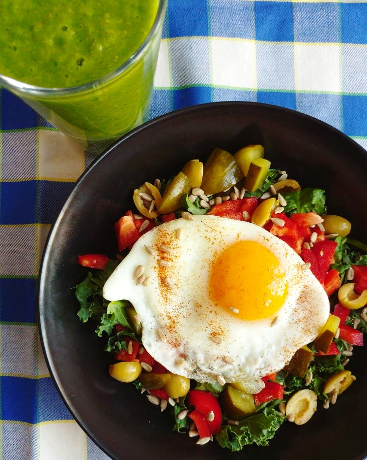 Propozycja na zdrowe śniadanie oparte na prawdziwych, świeżych produktach