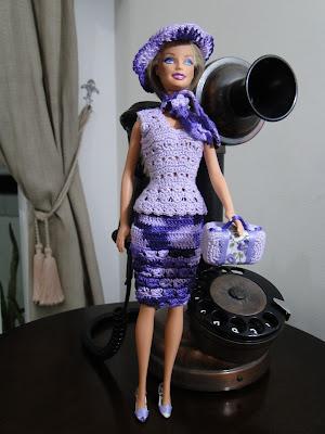 Roupinha de Crochê para Barbie e acessórios, criados por Pecunia Milliom