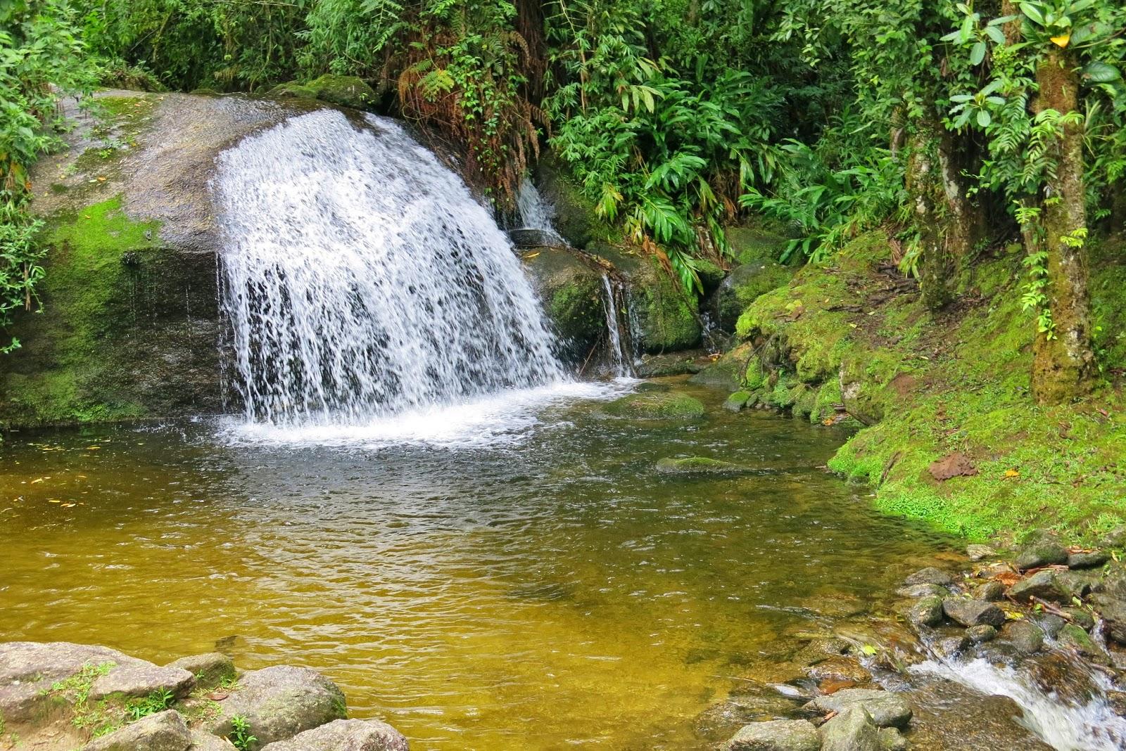 Mais uma cachoeira no Vale do Alcantilado em Visconde de Mauá