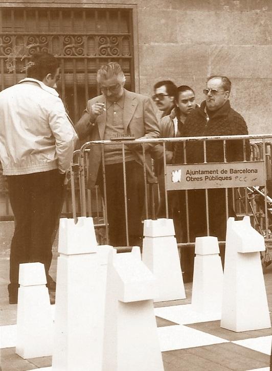 Ajedrez gigante en la Plaça Orfila en 1984