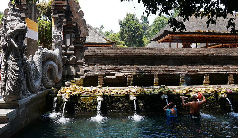 Euriental | fashion & luxury travel | Ubud, Bali, temple