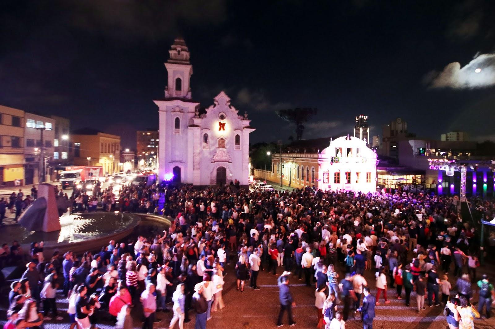 Curitiba terá uma quinta-feira bem natalina e cheia de música
