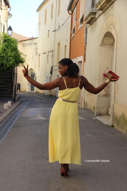 robe longue, maxi robe, maxi dress, robe cache coeur, robe nouée, robe jaune, jaune, la couleur de l'été, look glamour, s'habiller pour faire un tour au marché, quel look pour la campagne, sexy robe, sexy dress, tenue 2 en 1, look 2 en 1, look modulable