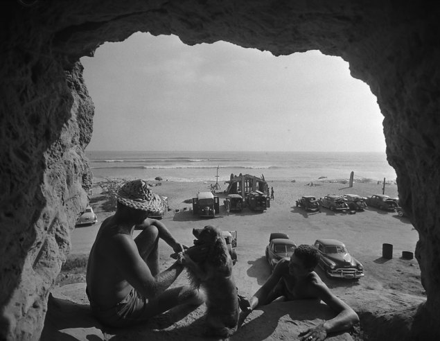 Old Photos of Life with Beach Bums at San Onofre California in the 1950s  vintage everyday