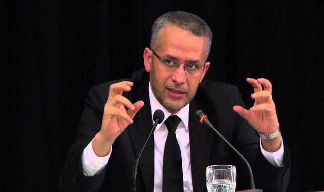 """شوباني يتهم مسؤولا بوزارة المالية بـ""""عرقلة"""" عمل مجلسه ويلجأ للقضاء"""