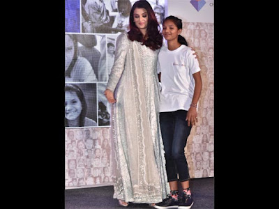 aishwarya-rai-celebrates-at-smile-train-india-event