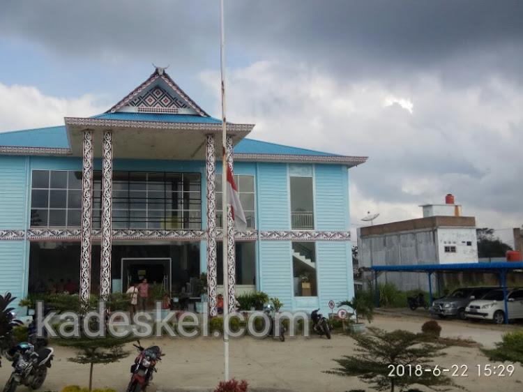Berkabung, Sejumlah Instansi di Simalungun Pasang Bendera Setengah Tiang Pasca Kapal Sinar Bangun Tenggelam