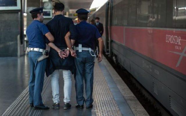Foggia: Ruba merce dal bar della Stazione di Foggia e picchia il barista. Arrestato dalla Polizia di Stato straniero.