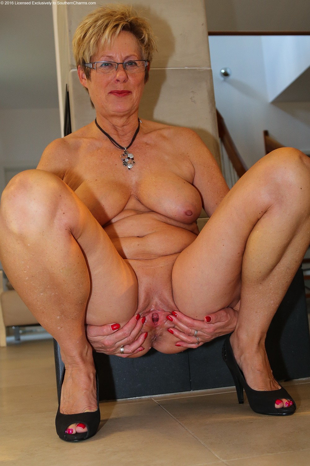 Nude pictures of daphne from southern charms-8801