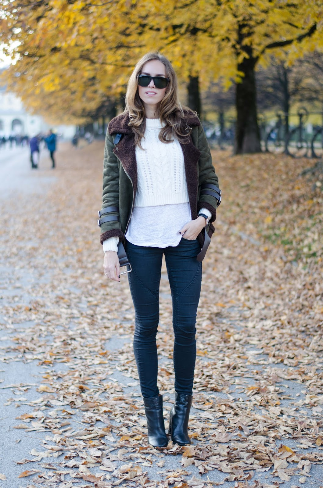 kristjaana mere shearling jacket fall outfit fashion inspiration