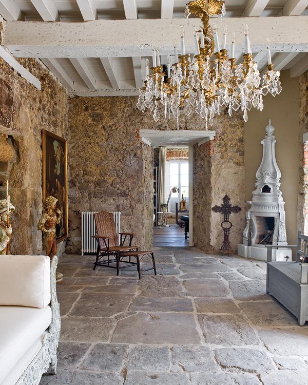 Boiserie c muri in pietra gioielli per l 39 arredamento for Pareti in pietra per interni foto