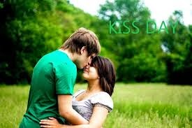 {Kiss day} Images for Facebook* , *whatsapp , wechat ,google plus ,