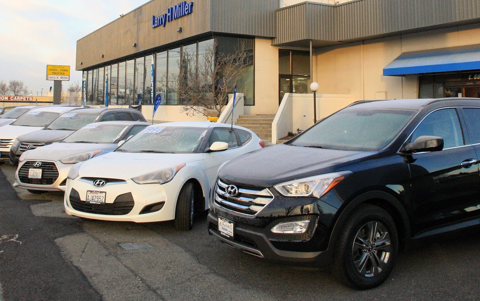 larry h miller hyundai to hold 5 dollar use car sell off larry h miller hyundai spokane. Black Bedroom Furniture Sets. Home Design Ideas
