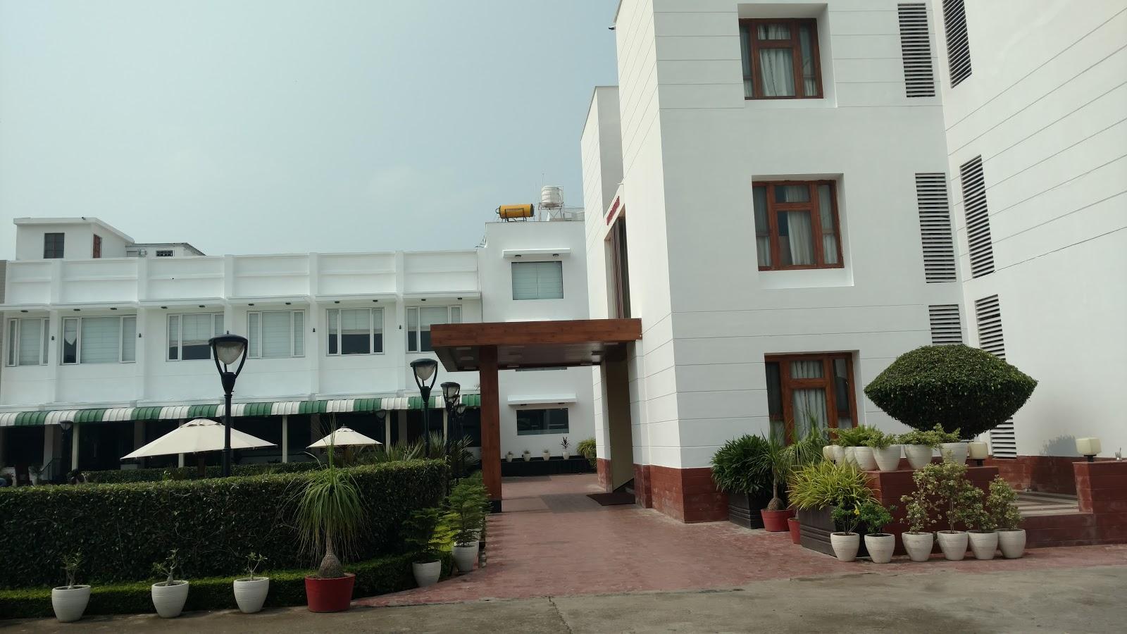 Day 2 -- Nagpur to Agra