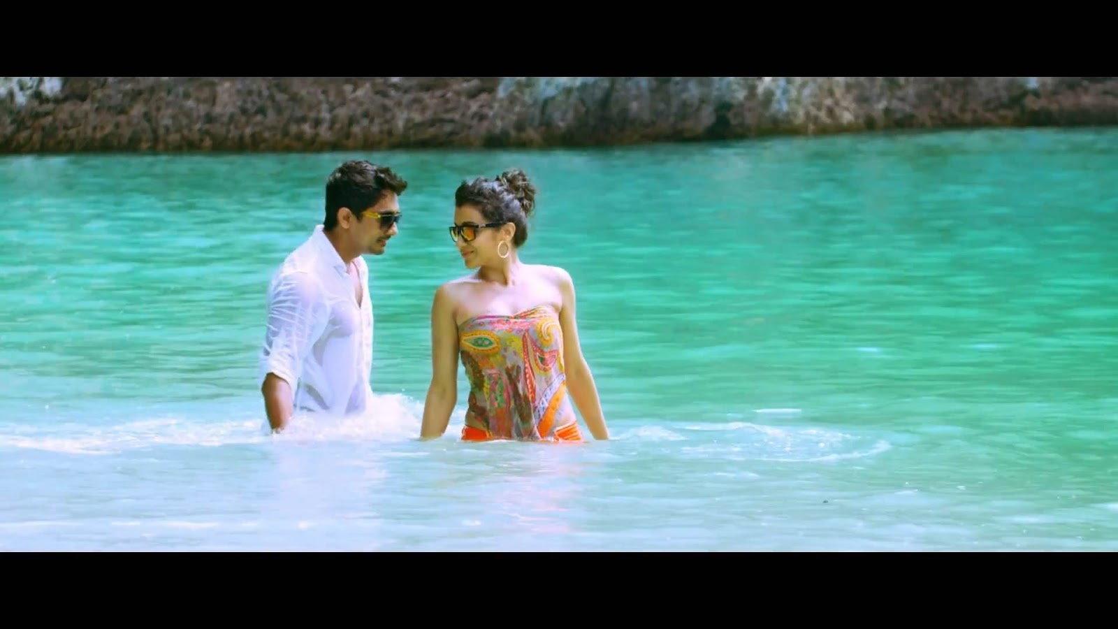 Trisha Hot Bikini Beach Song Aranmanai 2 - Indian Cinema ...