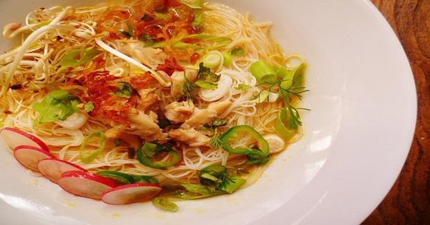 Vietnamese Chicken Noodle Soup (Pho) Recipe