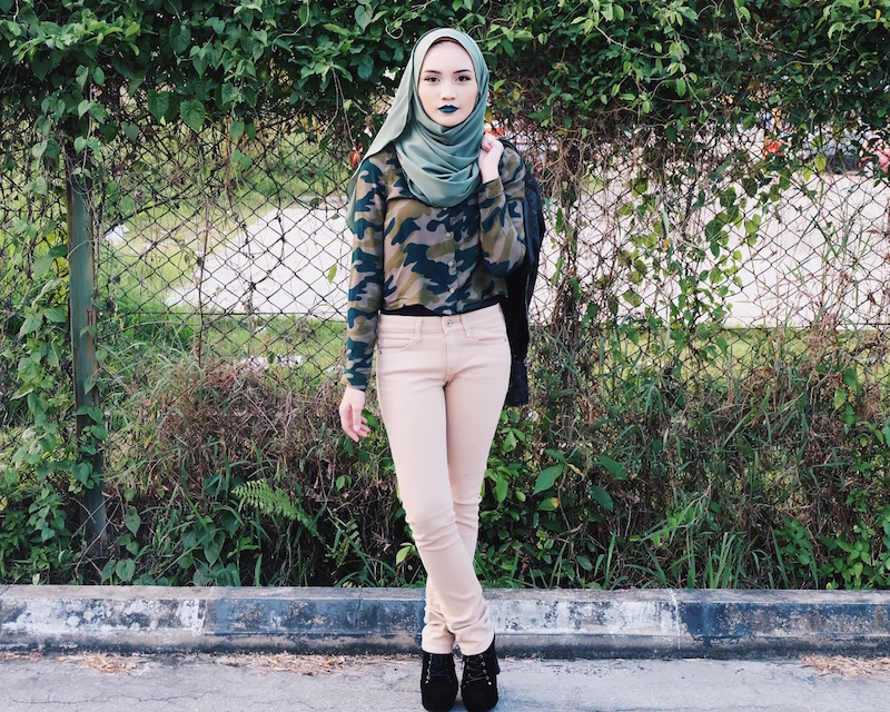 Bash Harry Brunei Hijjabi Beauty, Fashion Life & Style Blogger wearing ColourPop green lipstick and Lyys' Closet shawl, and H&M leather jacket, Uniqlo Khaki Legging Pants and NewChic Platform Boots