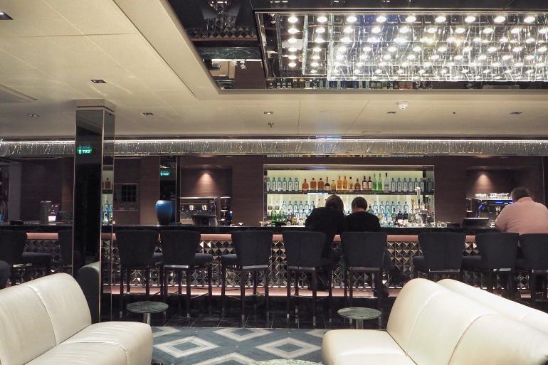 Bar à bord du navire de croisière MSC Seaside