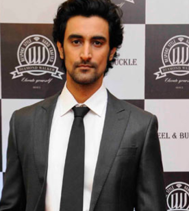 Kunal Kapoor naina bachchan, wife, actor, biography, movies, naina bachchan, wedding, shashi kapoor, chef  wife, shashi kapoor son, and naina bachchan, father, wedding photos, family, cricket, morningstar, karan, images, wiki, biography, age