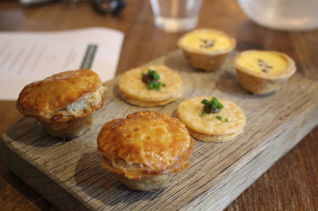 trio of pies Hare and Hounds Aberthin