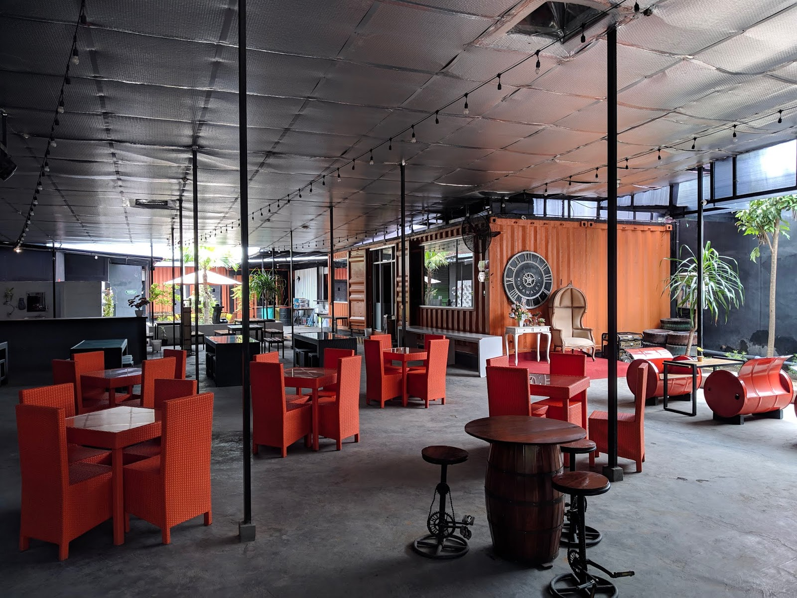 Cafe HITS Kediri - Omawalet