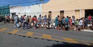 """Produtores de leite de Pedra Lavrada distribuem leite com população para """"não jogar fora"""""""