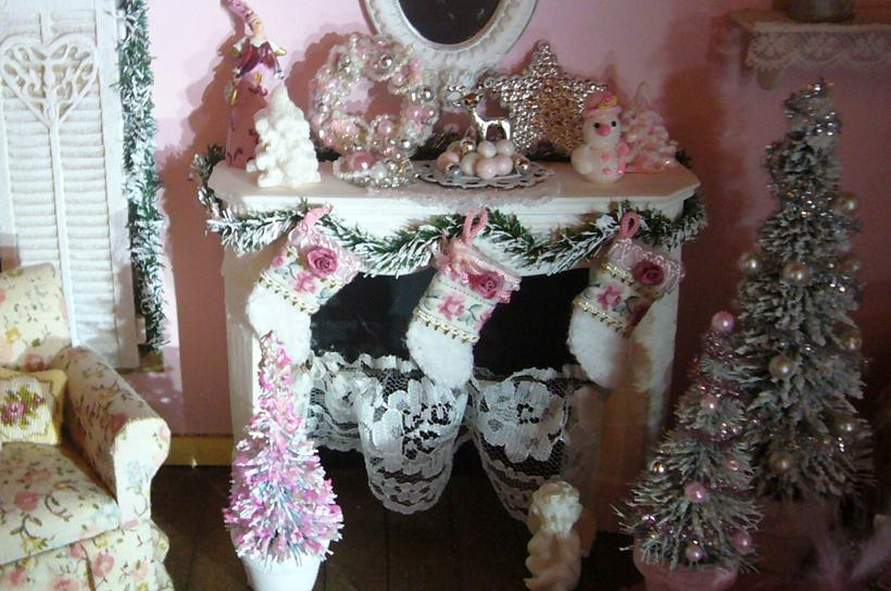 minis make me happy shabby chic christmas. Black Bedroom Furniture Sets. Home Design Ideas