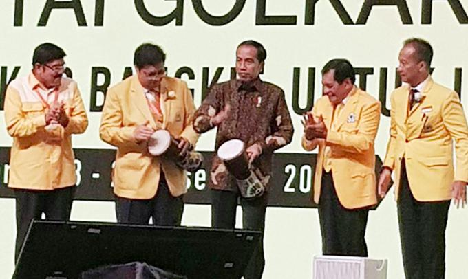 Begini Keakraban NH Bersama Elite Golkar dan Jokowi
