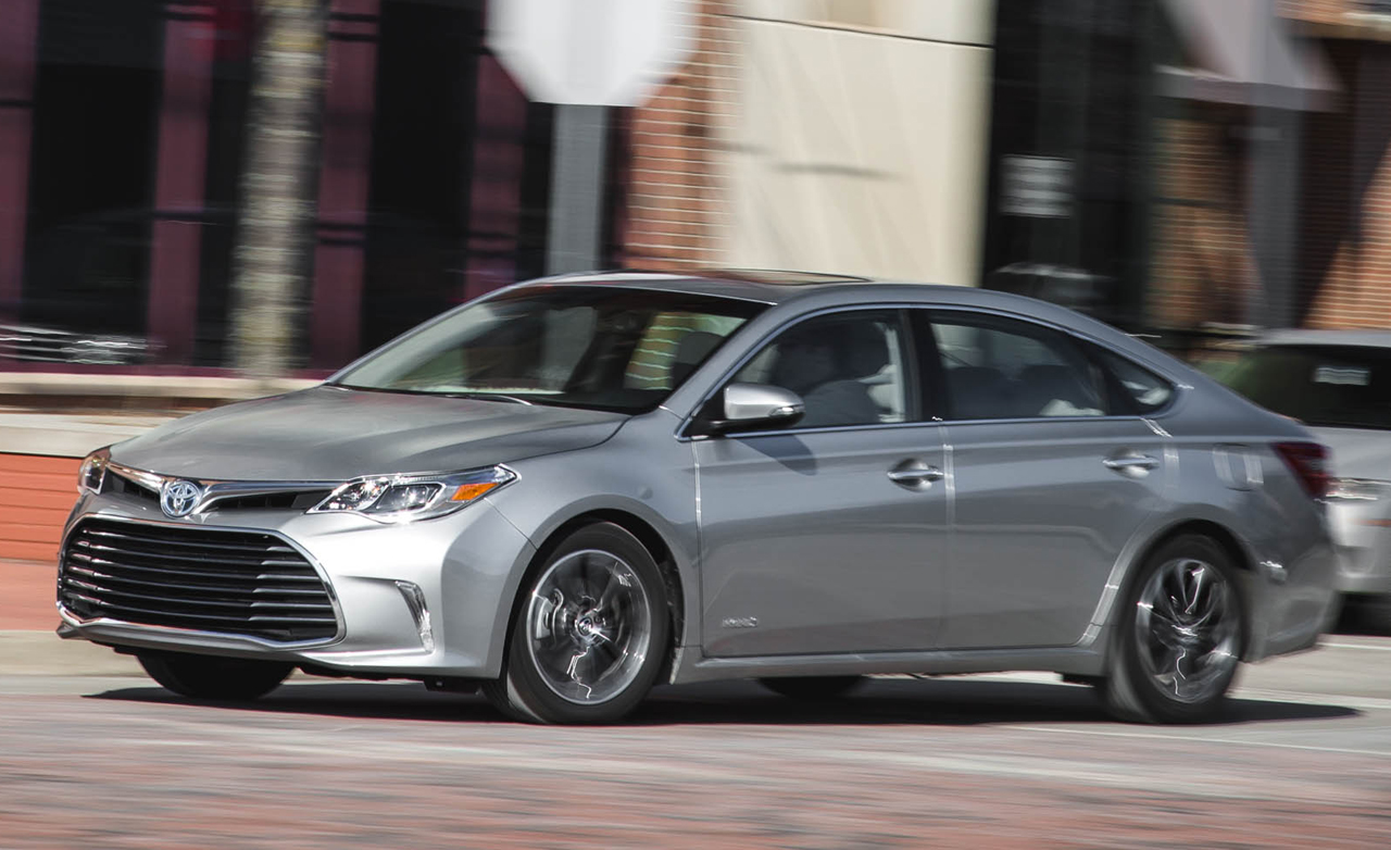 2016 toyota avalon hybrid reviews