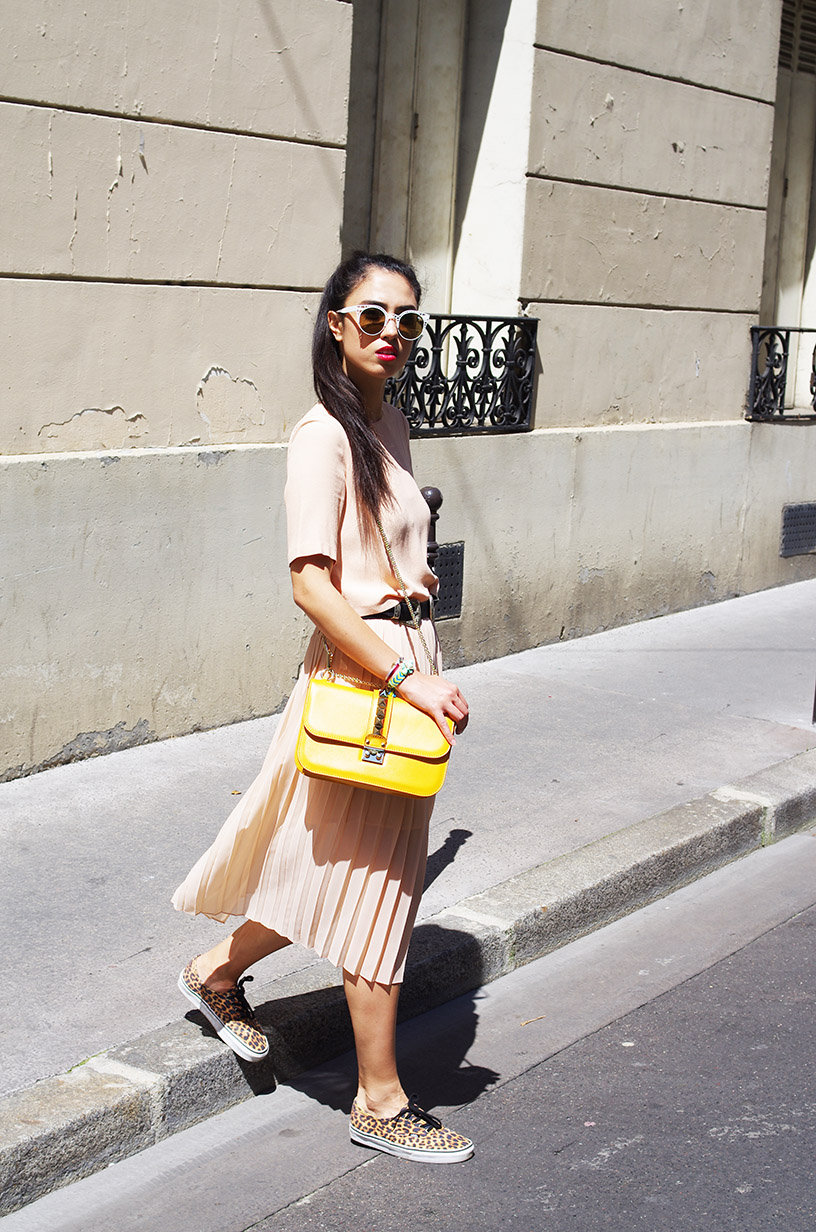 Elizabeth l Feeling Peachy outfit l Zara pleated dress Valentino Vans l THEDEETSONE l http://thedeetsone.blogspot.fr