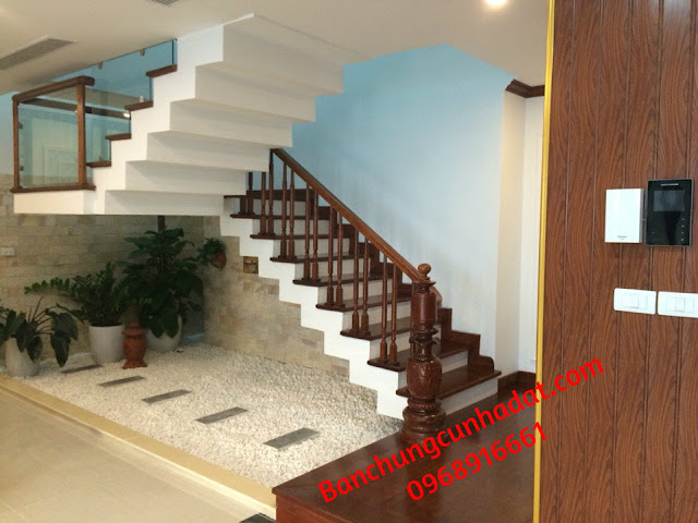 Penthouse - Cầu thang thông tầng