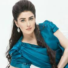 Ayeza Khan Family Husband Son Daughter Father Mother Age Height Biography Profile Wedding Photos
