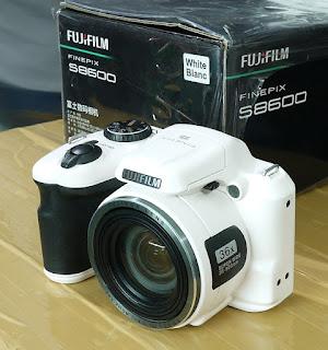 Jual Fujifilm S8600 Bekas - Kamera Prosumer