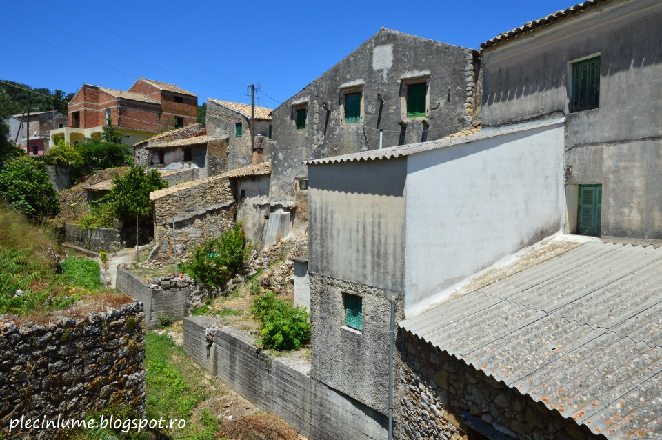 Oprire scurta intr-un sat traditional din Corfu