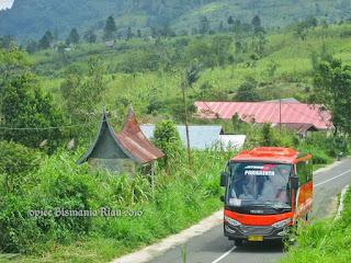 mediumbuspekanbaru0264