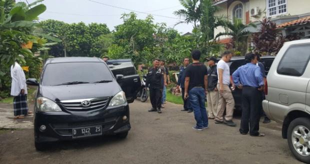 Geledah Rumah Sri Bintang, Polisi Hanya Bawa Flashdisk