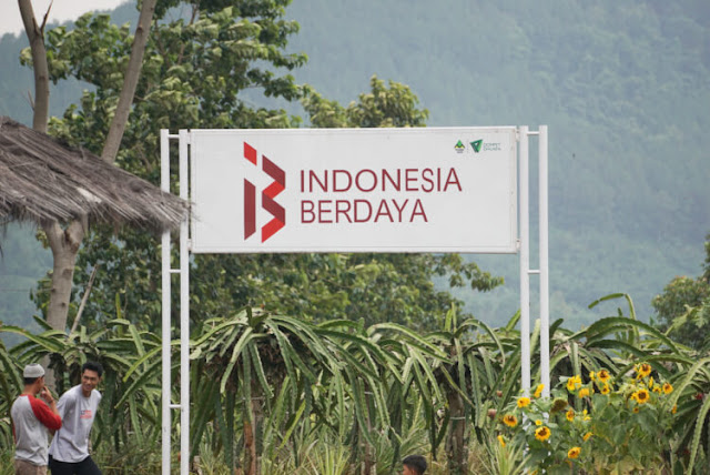 indonesia berdaya program wakaf produktif dompet dhuafa