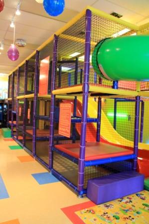 the astorian lifestyle kids birthday party and play centers in astoria queens. Black Bedroom Furniture Sets. Home Design Ideas